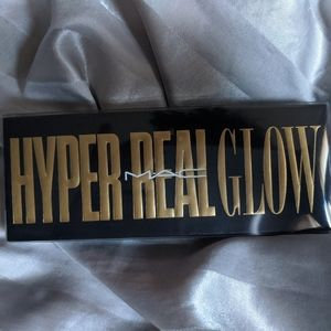 BRAND NEW MAC HYPER REAL GLOW HIGHLIGHTER PALETTE
